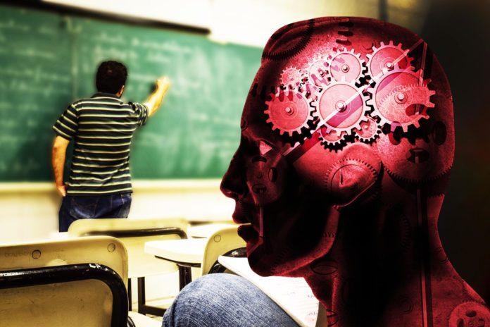Cinco Herramientas Tecnológicas en el Aula, los Profesores y los Estudiantes el Amor