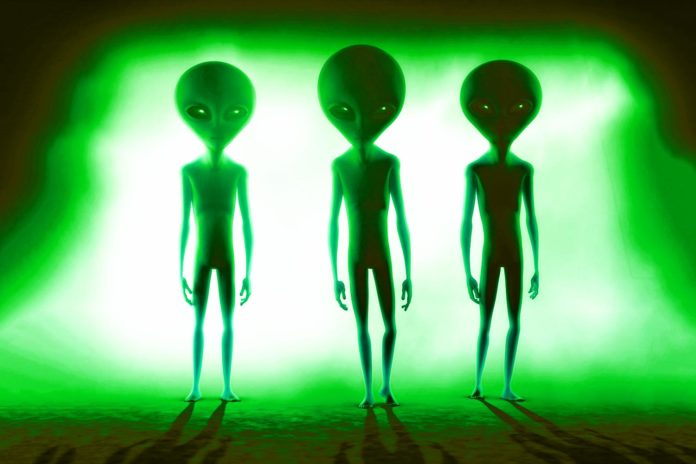 kolokvo Scientists: Alien Life Detected donde The Sun
